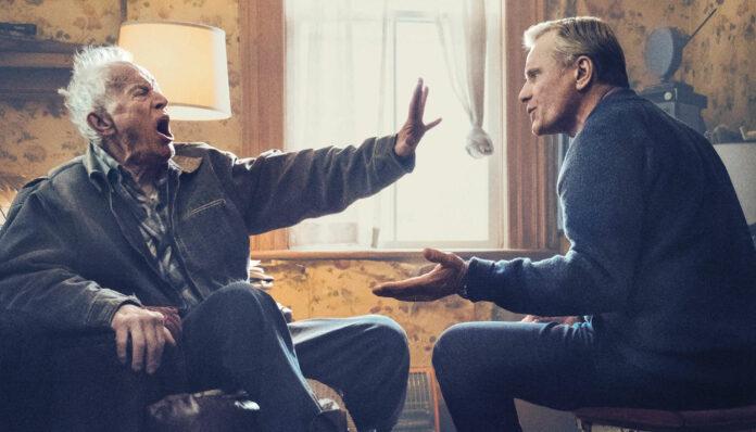 """Viggo Mortensen (r) spielt in seinem Regiedebüt """"Falling"""" John, seinen Vater Willis der herausragende Lance Henriksen."""