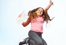 Sophia aus Losenstein hat viel Energie für die Ferien — und ein tolles Jahreszeugnis vorzuweisen.