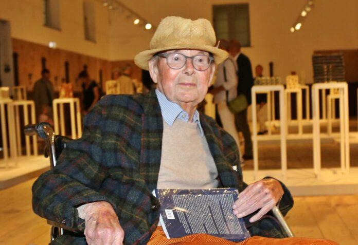 Franz Josef Altenburg besuchte die Ausstellung gestern höchst persönlich mit seiner Familie.