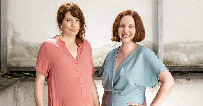 Ein Duo, das sich auch privat gut versteht: Katharina Riedler (l.) und Sabine Gebetsroither.