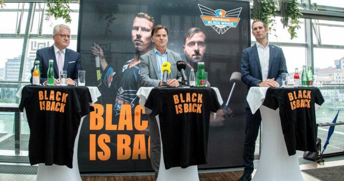 Bürgermeister Klaus Luger, Präsident Peter Nader und General Manager Gregor Baumgartner (v.l.) vor dem Eishockey-Auftakt.