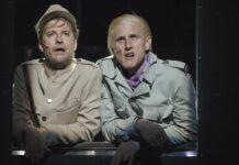 Es geht an die Front, die Stimmung so lala: Jan NIikolaus Cerha (Schwejk) und Benedikt Steiner