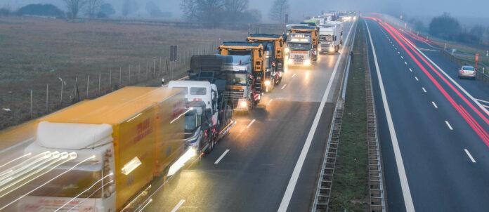 LKW-Staus könnten bald der Vergangenheit angehören, wünschen sollten wir uns das aber nicht.