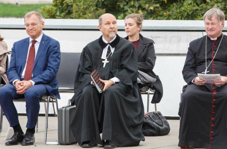 v. l.: Thomas Stelzer, Superintendent Gerold Lehner, Bischof Manfred Scheuer
