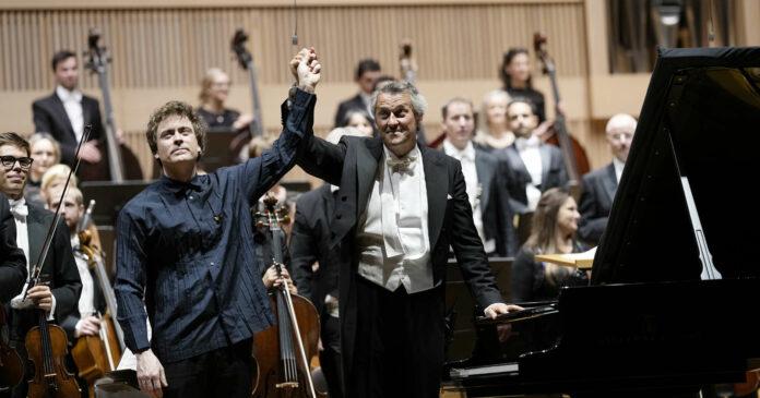 Triumphierten: Gastsolist Paul Lewis, Dirigent Markus Poschner und sein Bruckner Orchester