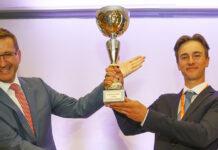 Sport-Landesrat Markus Achleitner (l.) gratulierte dem großen Sieger Florian Schweighofer