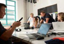 In der Coders.Bay in der Linzer Tabakfabrik lernen die Jugendlichen künftig die Grundlagen der Cybersicherheit.