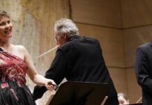 Michaela Selinger und Matthäus Schmidlechner nahmen als profunde Liedsänger das Publikum mit auf die musikalische Reise.